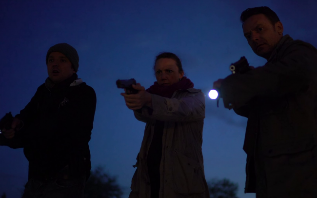Off Duty Tom Bailey als Detective Cumberland, Nicola Chapman als Agent Ohmann & Peter Seaton-Clark als Detective Adams (c) Florian Dedio & BBHP