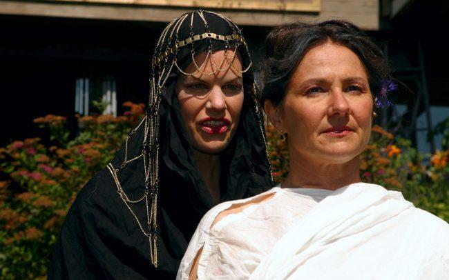 Odi et Amo - Robyn Allan as Epicura (c) Florian Dedio